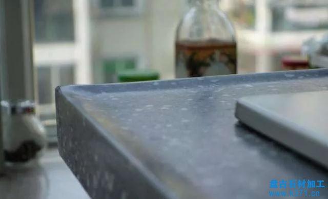石英石台面选用后圆低弧挡水的优势